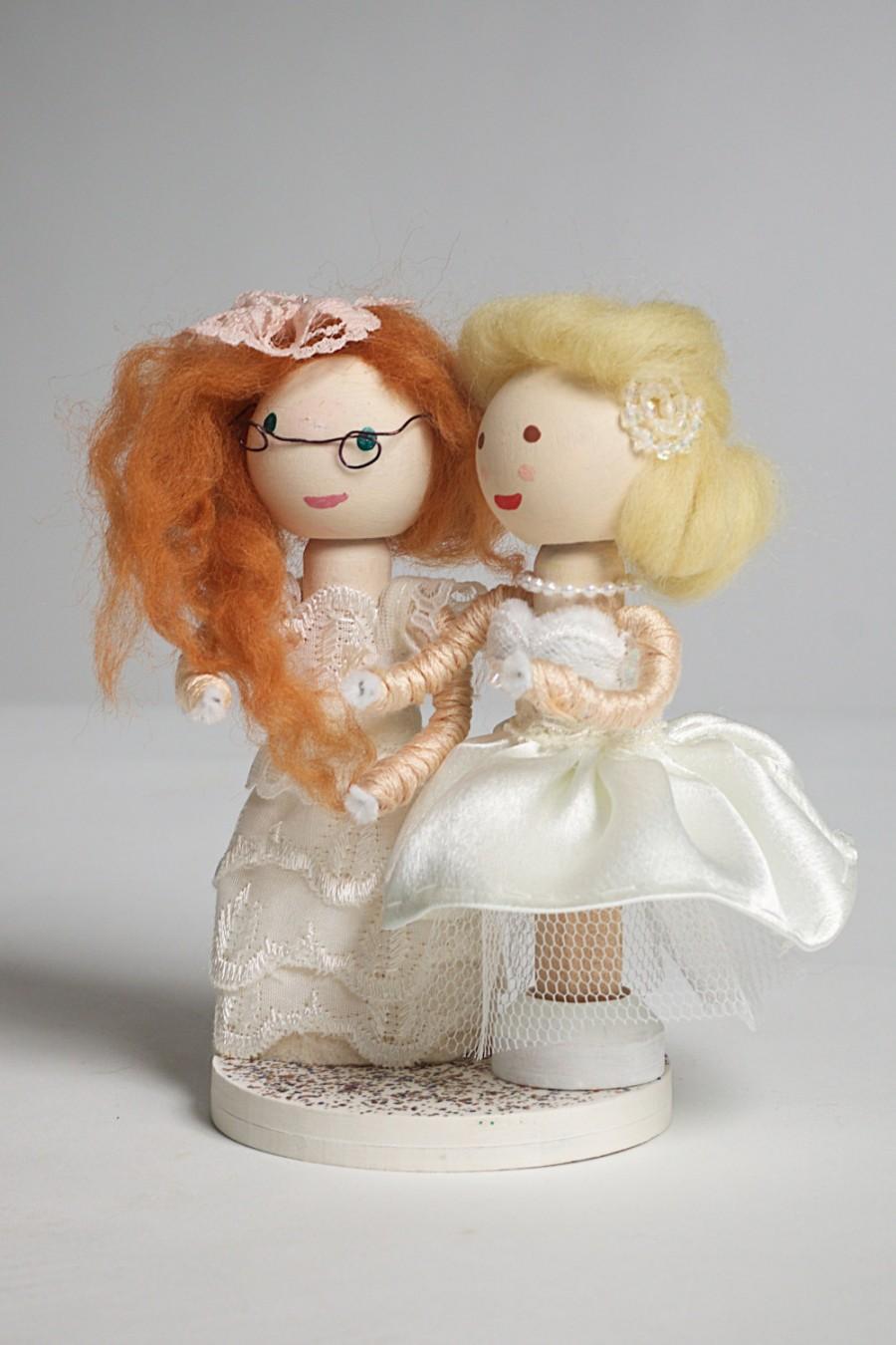 Hochzeit - Handmade, Customized, Bride and Groom, Wooden Peg Doll, Wedding Cake Topper