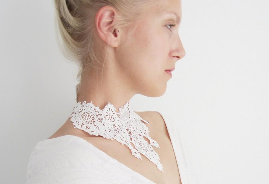 Mariage - White lace necklace / Bridal lace choker / Wedding lace accessory / Lace necklace / Lace accessory