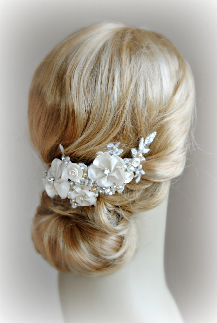 Свадьба - Champagne Bridal Fascinator, Lace, Crystal and Pearl Hair Flowers, Golden Champagne Flower Hair Vine - DELPHINE