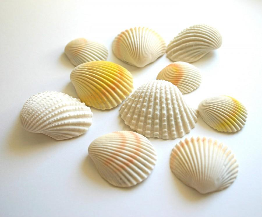 Mariage - Chocolate Filled Candy Clam Shells -12 - As seen in Martha Stewart Wedding's (summer 2013) Top DIY Resources, under Edible Art.