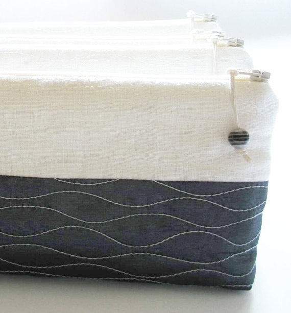 Wedding - Minilalist Wedding Clutches, Set of 5, Charcoal and White Bags, Bridesmaids Gift Bags, Farmhouse Wedding