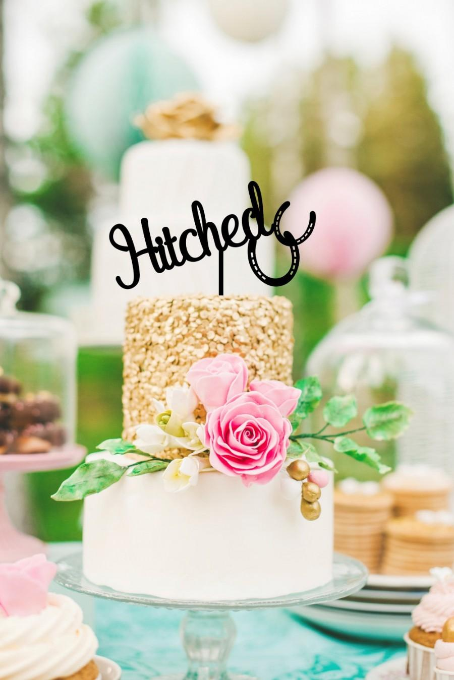 Mariage - Hitched Horseshoe Country Wedding Cake Topper - Custom Cake Topper - 0126