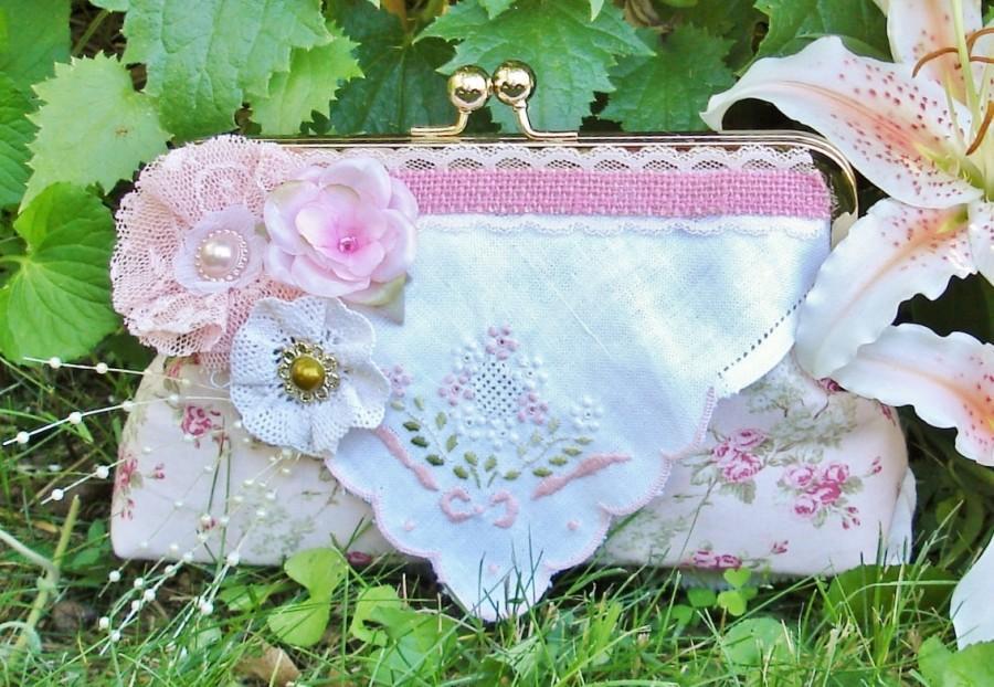 Mariage - Vintage Wedding / Pink Clutch / Shabby Chic Bride / Vintage Bride / Bridesmaid Gift / Farmhouse Wedding