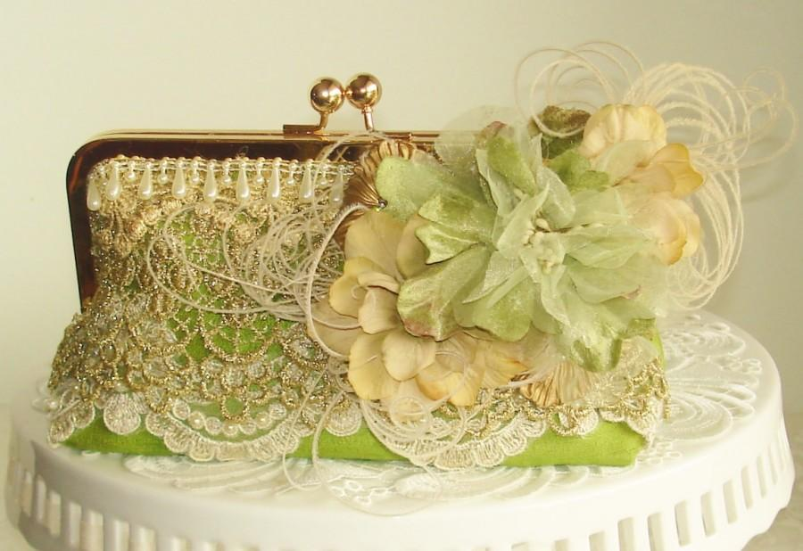 Mariage - French Vintage / Rustic Elegant Wedding / Green Wedding /  Marie Antoinette / Vintage Bride