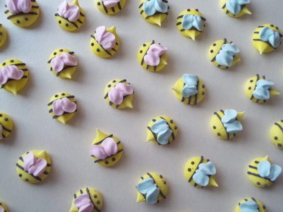 Baby Shower Cupcake Icing Ideas : Royal Icing Baby Shower Bees -- Handmade Cupcake Toppers ...