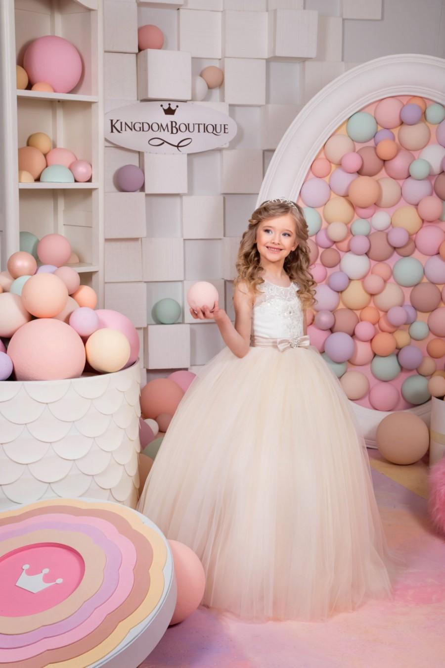 Свадьба - Ivory and Beige Flower Girl Dress - Birthday Wedding Party Holiday Bridesmaid Flower Girl Ivory and Beige Tulle Lace Dress