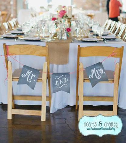 Mariage - Chalkboard Style Mr & Mrs Wedding Sign Chair Sign Reception Decoration Engagement Photo Prop