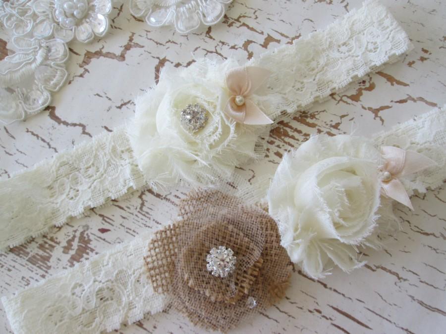 Mariage - Burlap wedding garter, bridal garter set. Fabric flower bridal garter Shabby chic vintage style garter set