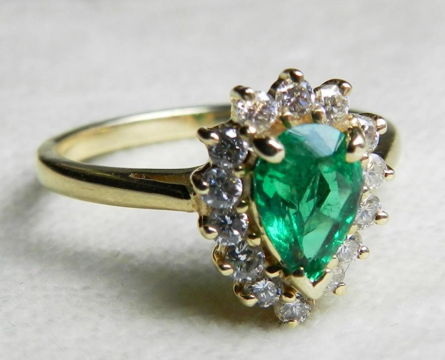 Свадьба - Emerald Ring 14K Emerald Engagement Ring Colombian Emerald 14k Ring Unique Engagement Ring Art Deco Diamond Halo Emerald Ring May Birthstone
