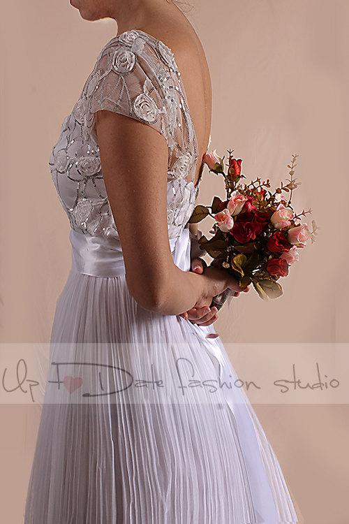 Hochzeit - Unique/ Plus Size wedding party romantic/ tulle drapped /3D Chiffon Flower Fabric Sequins Silver  dress