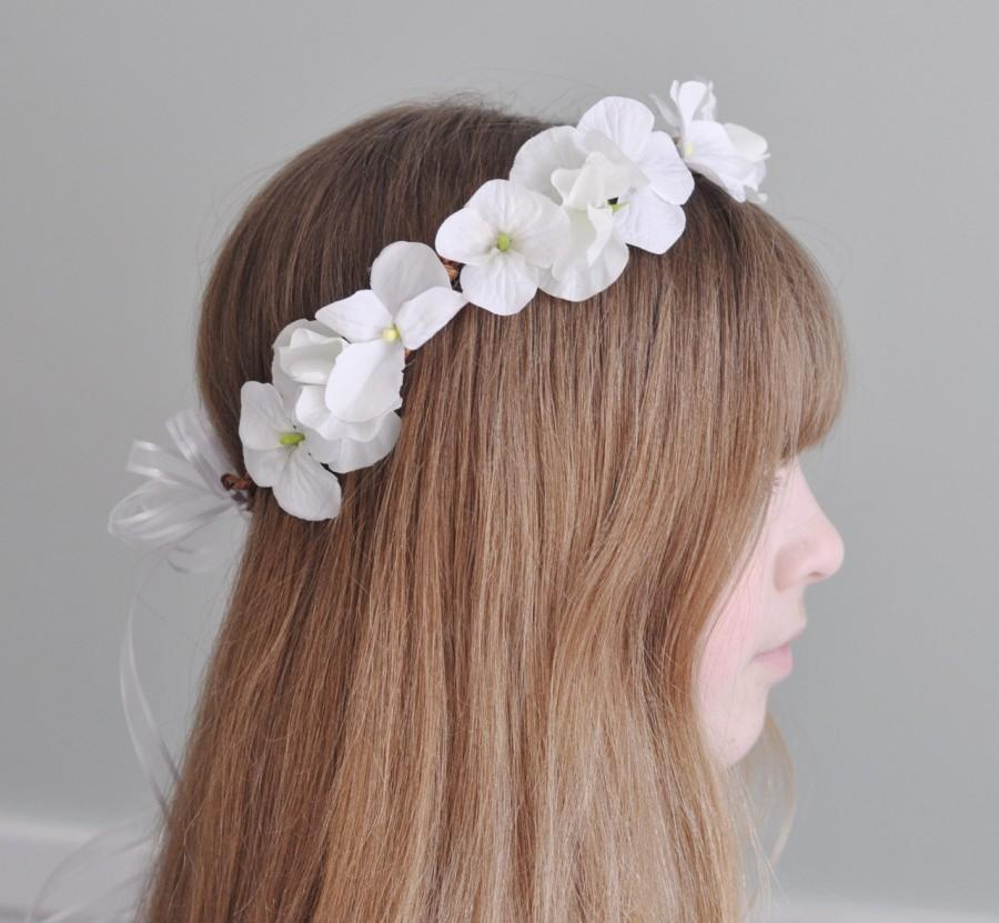 Mariage - Flower Girl Wreath, First Communion Floral Crown, Wedding Flowers, Pure White Sweet Pea, Hydrangea made by Holly's Flower Shoppe.
