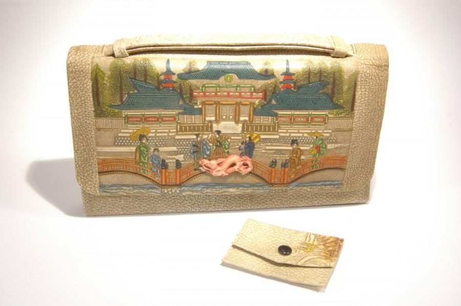 زفاف - Leather Handbag Japanese Embossed Hand Decorated Pebbled Leather Clutch 1940s Purse Geisha Dragon Japanese Figural Hand Painted Clutch
