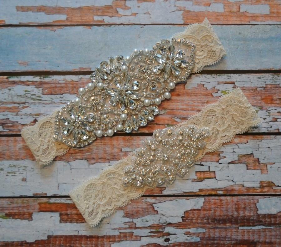 Mariage - Wedding Garter, Wedding Garter Set, Ivory Crystal Rhinestone and Pearl Bridal Garter Belt, White Vintage Style Bridal Garter Set, R5