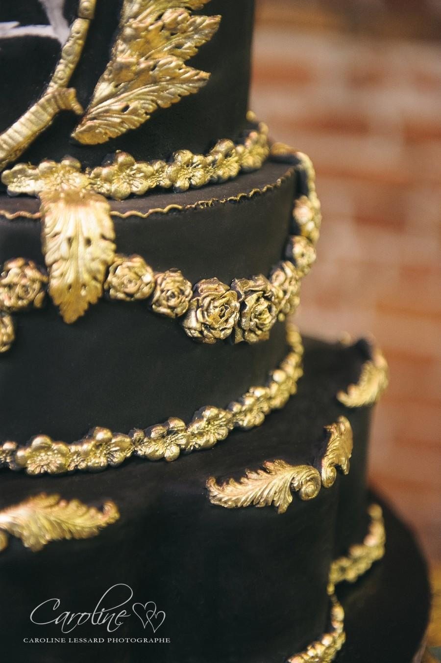 Black & Gold Wedding Cake #2512501 - Weddbook