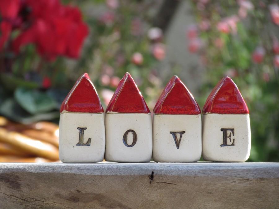 Mariage - A set of miniature rustic ceramic LOVE houses  Miniature houses  Little houses, Wedding reception