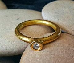 Gold wedding bands size 5