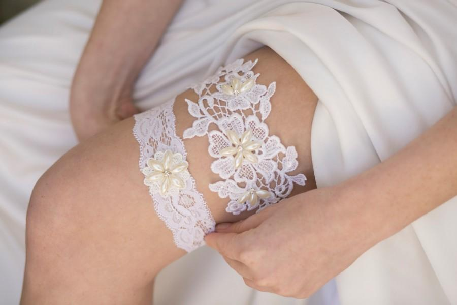 Hochzeit - White Wedding Garter Set, Lace Garter Set, Ivory Bridal Garter Set, Garter Belt Set, Ivory Rhinestone Garter Set, Lace Wedding Garter Set