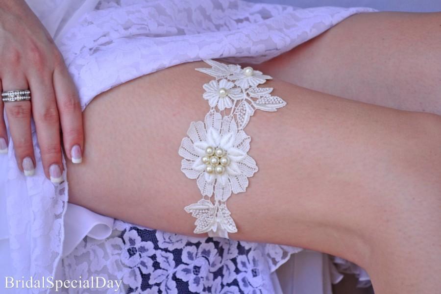 Mariage - Wedding Garter, Wedding Garter Set, Ivory Lace Garter, Wedding Garters, Handmade Garter, Garter Sets, Bridal Garters, Unique Garters, Garter