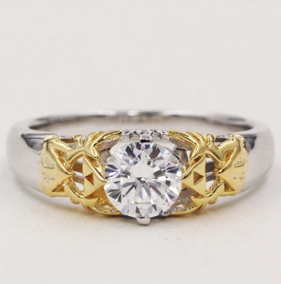 Свадьба - 14k Gold and White Sapphire Legend of Zelda Triforce Hyrule Crest Engagement Wedding Promise Ring Nintendo Link Ocarina of Time Video Game