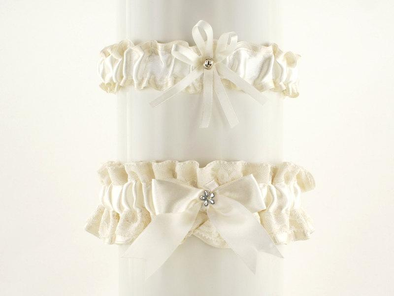 Mariage - set bridal garter  ivory, lace garter in wedding, vintage,  wedding lingerie, handmade garter is stretching, bride garter, satin garter 1C