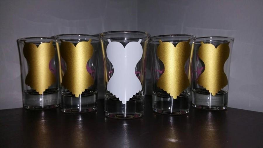 Mariage - Corset Shot Glass with Monogram Initial; Bachelorette Party Favors; Bridal Shower Favors; Wedding Party Gifts; Bridesmaids; Bridal Party
