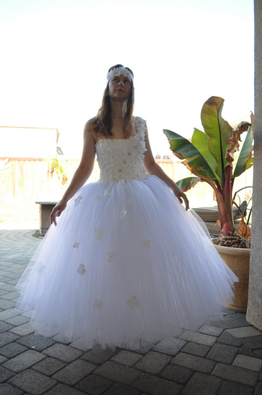 Wedding tutu dresses bridesmaid dresses sleeves for Best place to buy a dress for a wedding