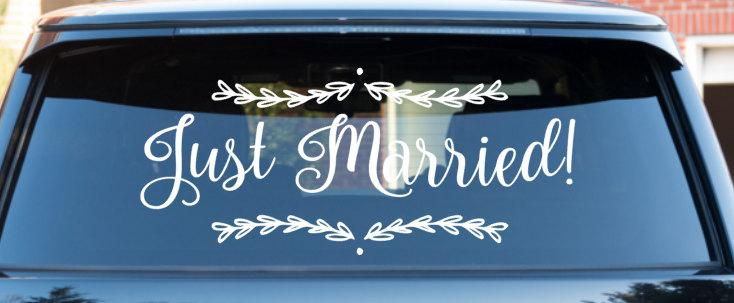 Mariage - Wedding Getaway Car Decal Just Married Car decal *professional applicator included