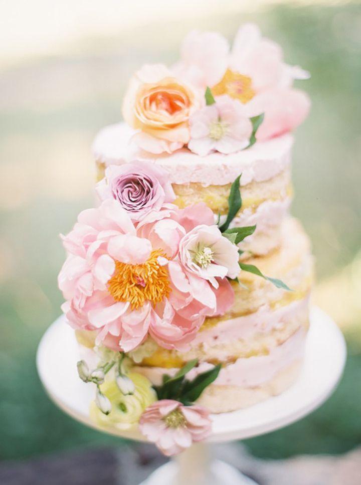 Hochzeit - 15 Flower Bedecked Wedding Cakes