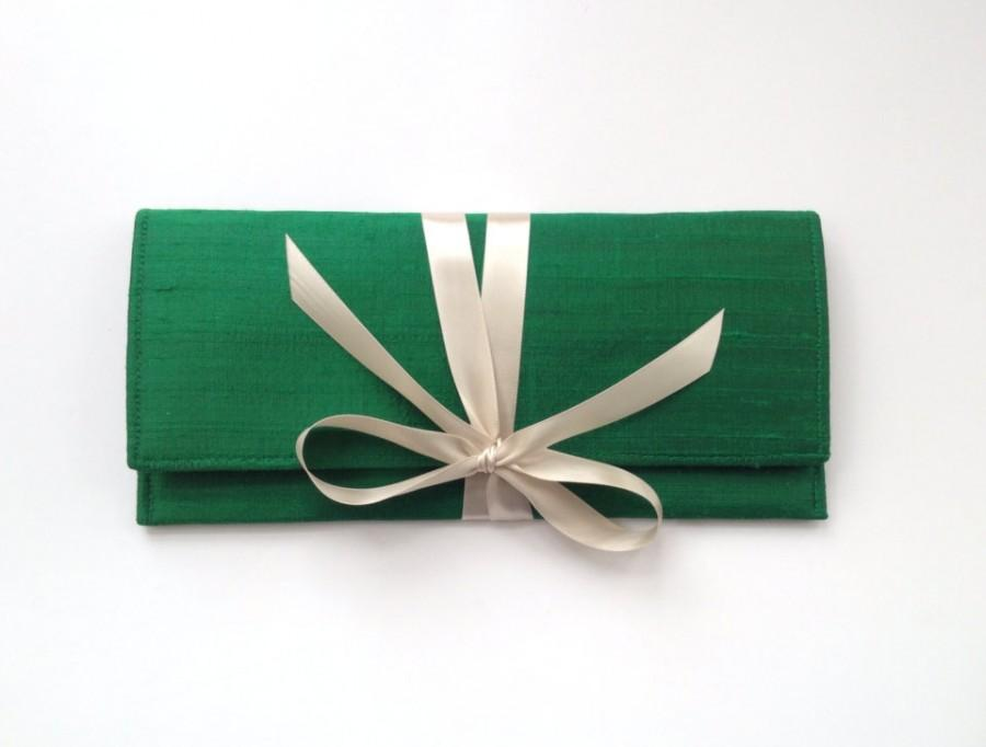 Mariage - Emerald green clutch in silk with champagne bow, the ALEXIS Clutch // a slim formal envelope clutch bag