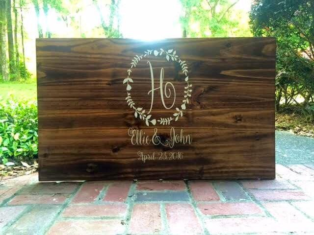 Свадьба - Rustic Wedding Guest Book Personalized Wooden Guest Book Shabby Chic Wooden Guest Book Sign
