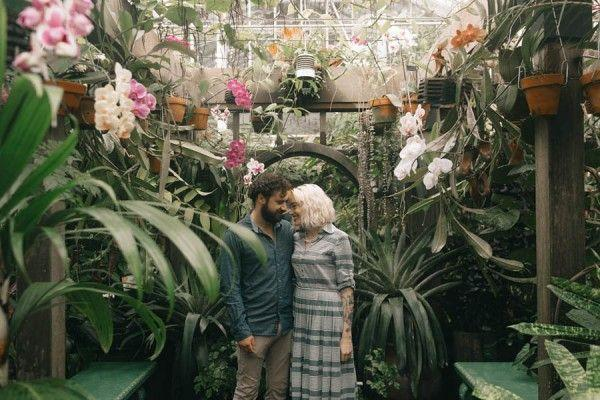 Hochzeit - Adorable San Francisco Sweetheart Session At The Conservatory Of Flowers