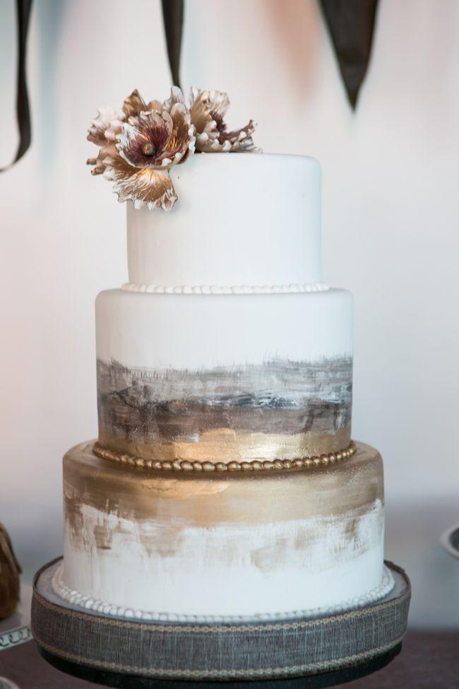 Hochzeit - Romantic Industrial Wedding Cake