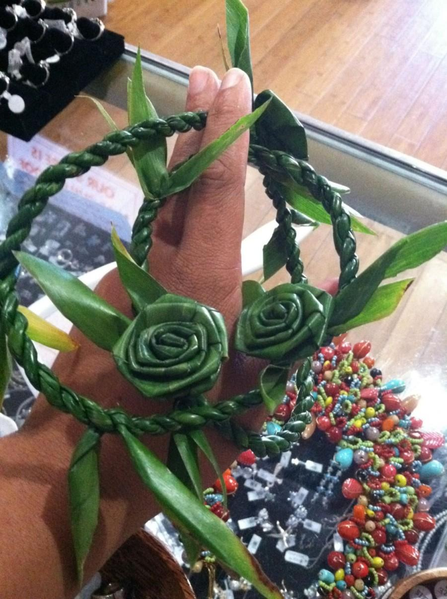Mariage - Hawaiian ti leaf everlasting lei, handwoven, traditional, and unisex.