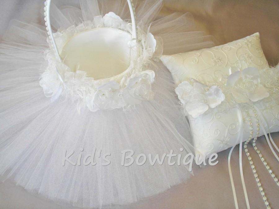 Hochzeit - Wedding Tutu Flower Girl Basket - Unique Tulle Bridal Flower Girl Tutu and Roses Wedding Basket