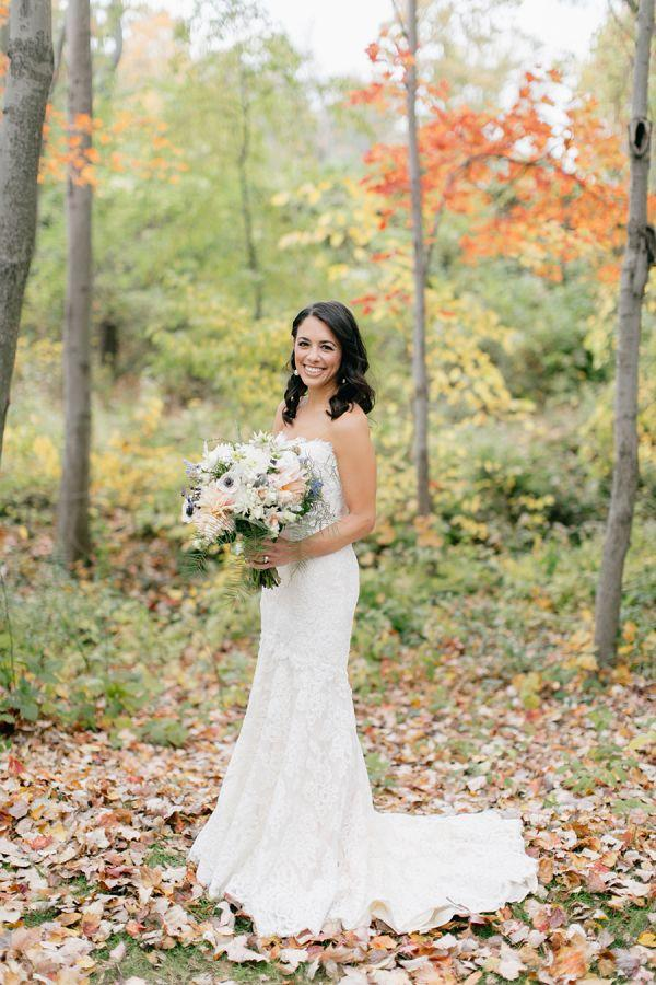 Hochzeit - This Romantic Fall Day Will Make You Question Everything You Thought About Halloween Weddings