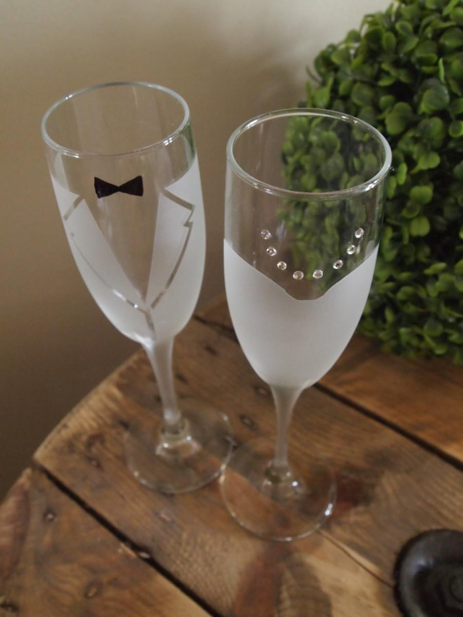 Mariage - Bride and Groom Frosted Champagne Glasses