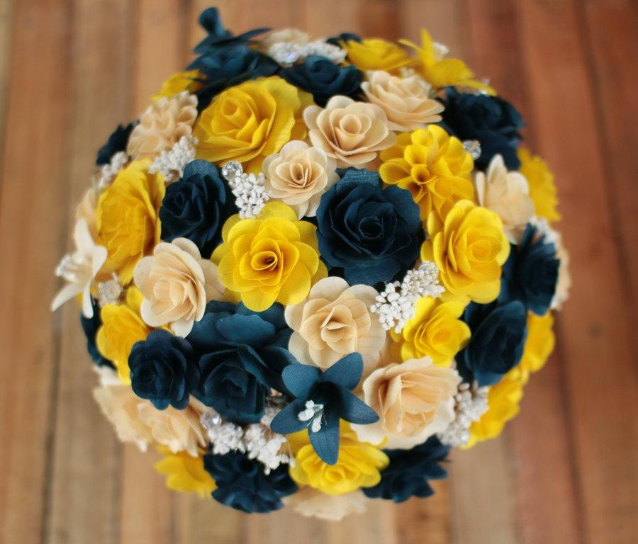 Mariage - FREE SHIPPING Navy Blue and Yellow Wooden Bouquet for Wedding and Home Decor Centerpiece, Mother's Day Gift, Prom Bouquet, Birthday Bouquet
