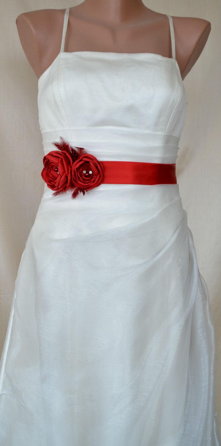 Свадьба - Express shipping Handcraft Hot Red Two Flowers With Feathers Wedding Bridal Sash Belt