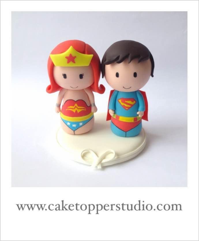 Wedding - Cute Superman and Wonder Woman wedding cake topper