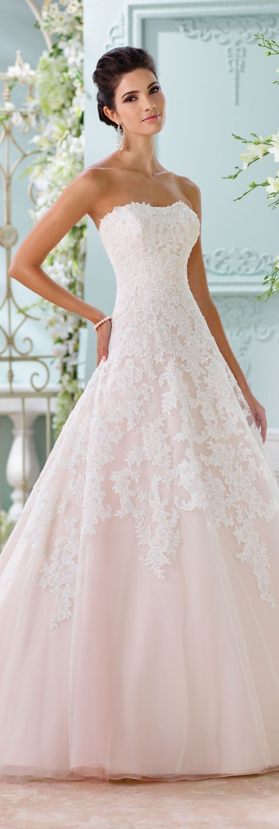Wedding - Strapless Lace Bridal Gown