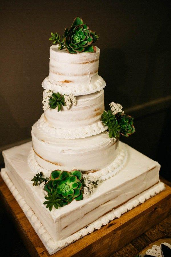 Hochzeit - How To Naturally Incorporate Succulents Into Your Wedding Decor