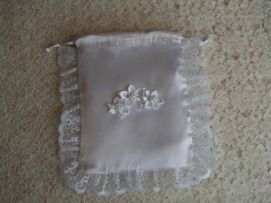 Свадьба - Wedding Money Dance Bag, Satin flowers, lace, drawstring closure, wedding purse, first communion, gift