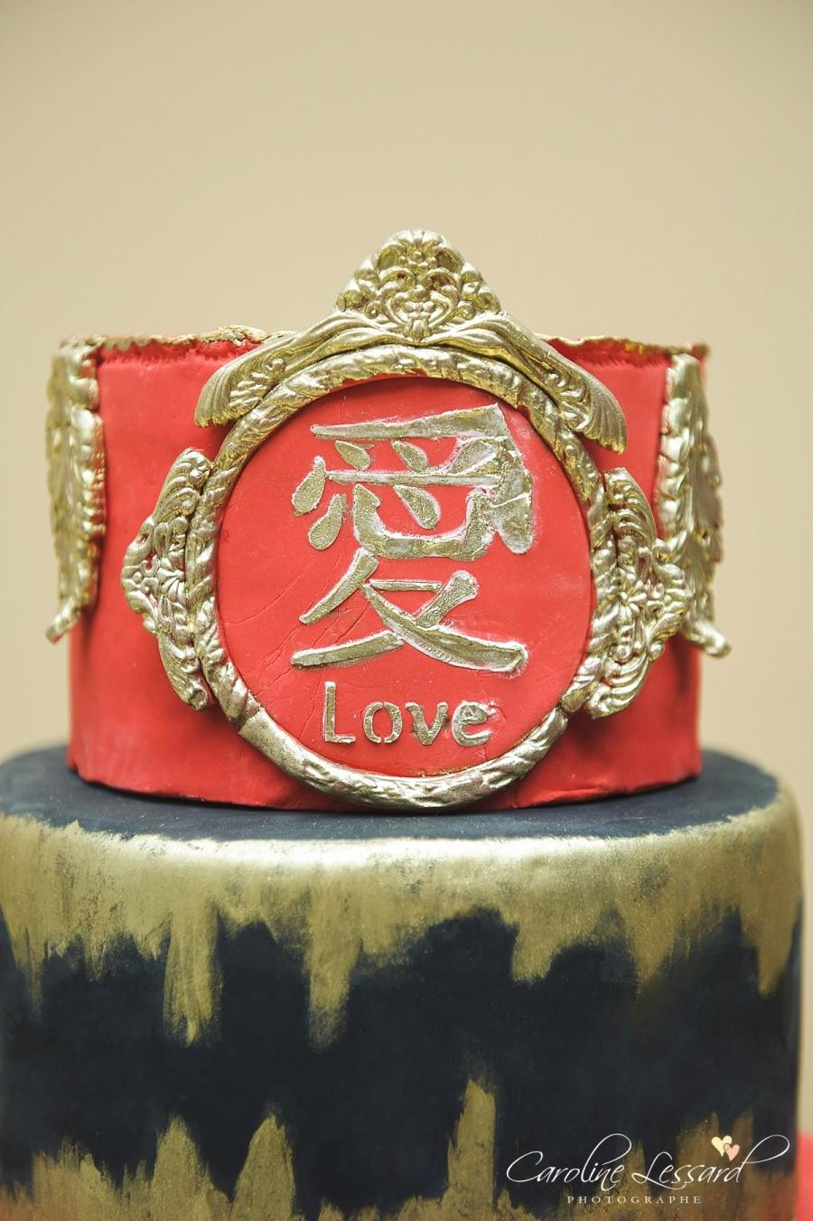 Свадьба - Red black and gold wedding cake