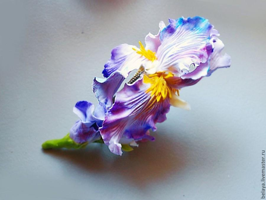 Hochzeit - Bobby pin Iris, flower hairpin, cold porcelain, iris, clay flowers, polymer clay barrette, polymer clay, DecoClay