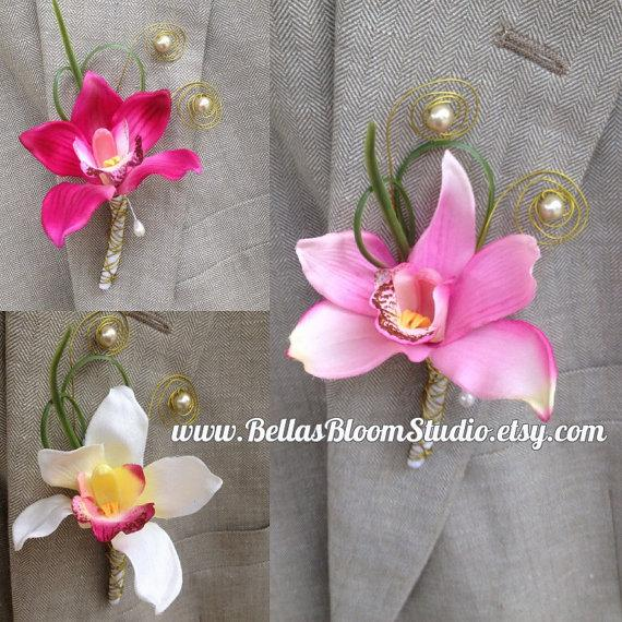 Mariage - Boutonniere White, Orchid Boutonniere, Beach Boutonniere,Men's Lapel Pin,White Lapel pin,Beach Wedding Boutonniere,White boutonniere,etsy