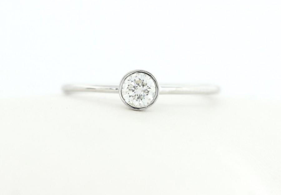 زفاف - GIA Certified Round Brillaint Cut Diamond Engagement Ring, White Gold Thin Dainty Bezel Set Engagement Ring, Stacking Gold Diamond Ring