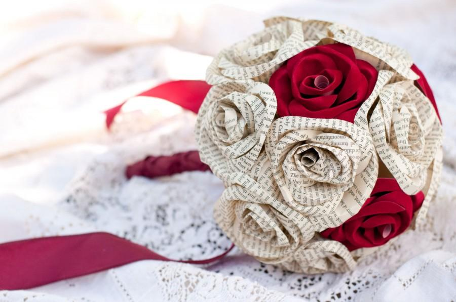 Свадьба - Wedding Book Page and Suede Paper Rose Bouquet