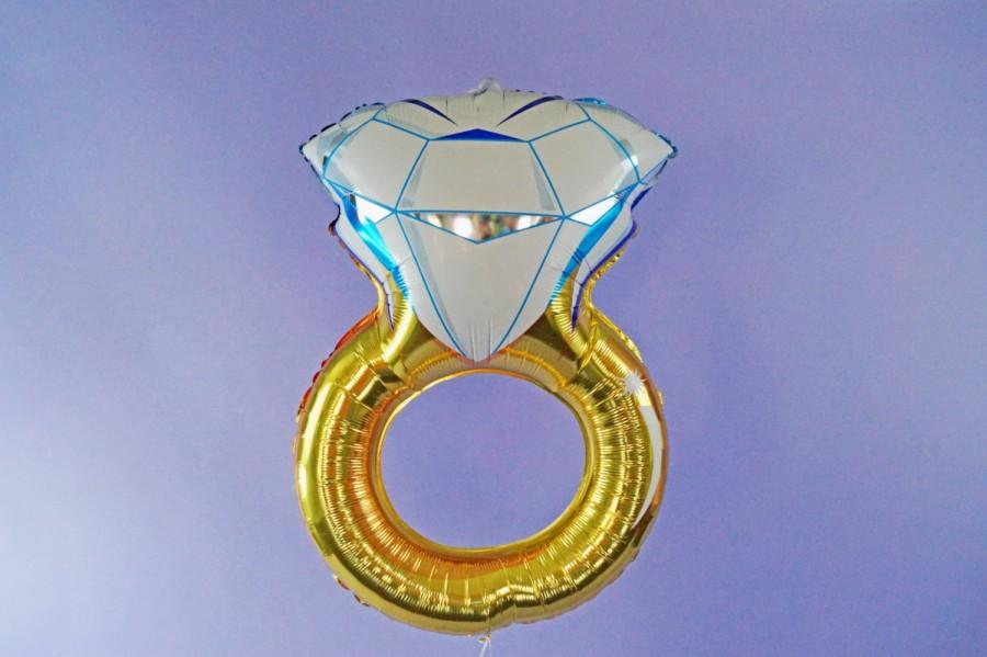 Свадьба - FREE SHIPPING Wedding Engagement ring mylar foil balloon - bachelorette party - engagement - bridal shower