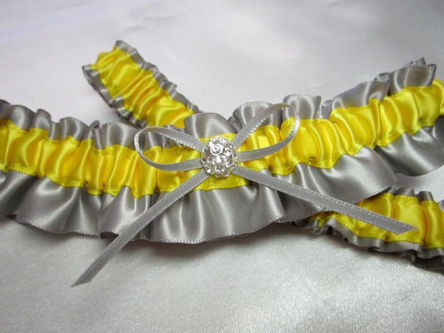 Свадьба - Gray and Yellow Satin Garter Set