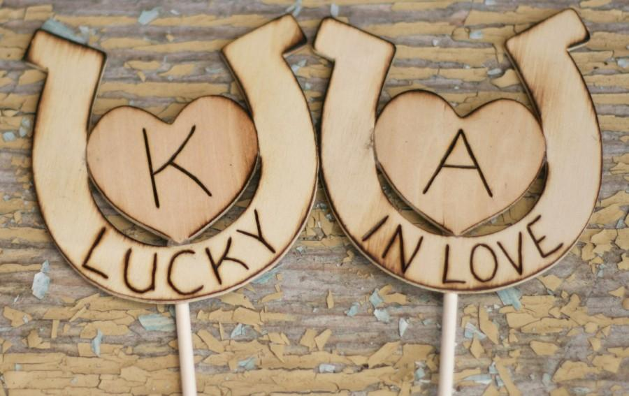 Mariage - Lucky In Love Personalized Horseshoe Wedding Cake Topper (item E10040)